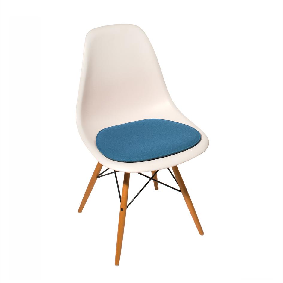 Eames Stoelen Loods 5.Parkhaus Stoelkussen Eames Sidechair Vilt Design